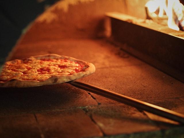 pelle-à-pizza