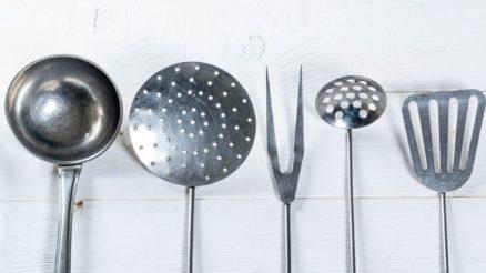 Accessoires-de-cuisine-essentiels-pour-un-chef-chevronne