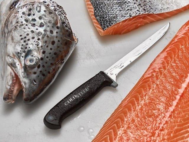 Couteau-a-saumon