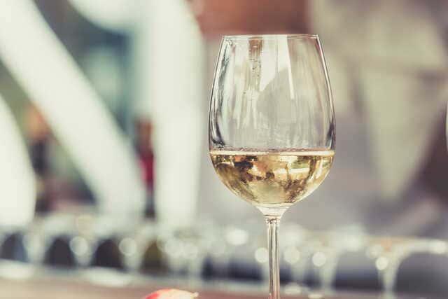 verres-a-vin-blanc